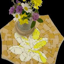mosaico porta vaso giallo